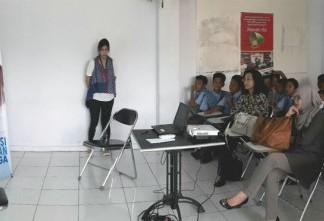 Johnson & Johnson Indonesia bekerja sama dengan Alfamart Selenggarakan Program Edukasi Kesehatan Kel
