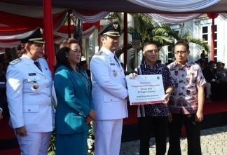 Alfamart Salurkan Donasi di Hari Jadi Kota Semarang